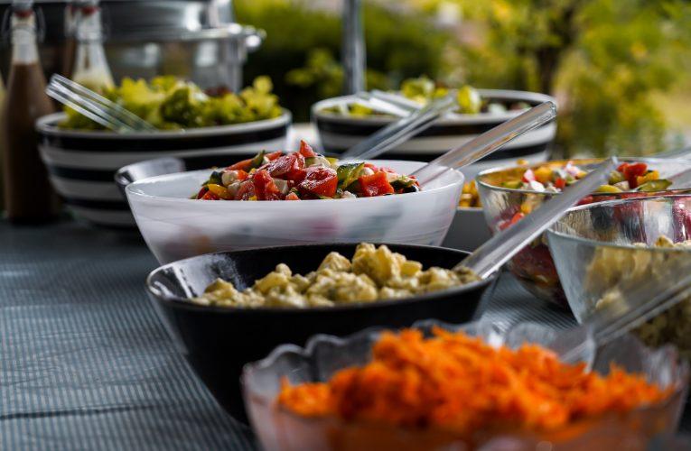 Skab et miljø, som dine medarbejdere ikke vil forlade- Tag noter til maden næste gang du er til bryllup